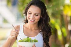 Glyx-Tabelle zum Runterladen Was ist der Glyx? Sie möchten Ihre Ernährung umstellen und dabei ganz nebenbei abnehmen? Dann lernen Sie den Glyx kennen. Hier erhalten Sie alle Infos und die Nährwerte vieler Lebensmittel – ganz einfach in einer Tabelle als Download (unten). Legen Sie los und erreichen Sie für immer Ihr Wohlfühlgewicht