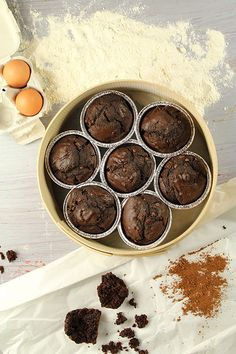 Donkey and the Carrot: CHOCOLATE MUFFINS-The ''never fails you'' recipe! Σοκολατένια μάφινς - Η ''θα σου πετύχει στάνταρ'' συνταγή