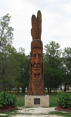 Town of Winnipeg Beach Peter Wolf, Roadside Attractions, The Province, Woodcarving, Monuments, Old Houses, Statues, Native American, Street Art