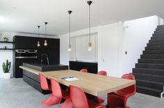 http://www.keukens-vanlommel.be/realisaties/keukens/innovatief-design/
