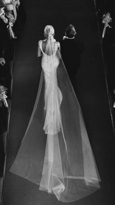 Bridal Gowns: Jane Hill (VIC Australia + London UK) / View more inspiration on The LANE