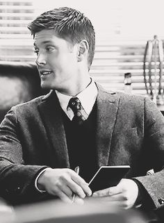 ........0_0.......... - So many cute - Dean Winchester - Jensen Ackles - Supernatural gif
