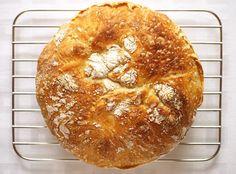 Chleba si peču ráda. Baví mě mačkat droždí s cukrem a nakukovat pod utěrku, jestli už vyběhl kvásek. Hnětení těsta si užívám (někdy si předs...