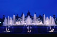 Magic Fountain of Montjuic, Barcelona, Catalonia (Spain) Water Fountain Design, Pool Fountain, Water Fountains, Magic Fountain, Fountain Of Youth, Sitges, Places Around The World, Around The Worlds, Attraction
