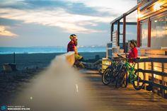 Spot Check Portugal: Die besten Bikespots zwischen Gebirge und Atlantik - via Enduro Mountainbike Magazine 04.08.2016 | Portugal bietet alles, was man sich von einem Bikeurlaub nur wünschen kann. Und legt dann noch Postkartenstrände, Eukalytpuswälder und fantastischen Obstschnaps obendrauf. Foto: Algarve