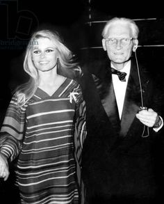 Actress Brigitte Bardot and her Father Louis Bardot Arriving at Mauricechevalier'S Farewell Show in Paris October 1968 Bridgitte Bardot, Hollywood Fashion, Hollywood Actresses, Brigitte Bardot Young, Only Play, October 2, Michelle Rodriguez, French Actress, Paris Shows