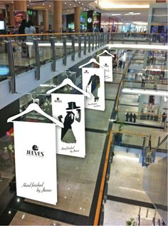 """""""The Fashionable Coat Hanger...One Size Fits All"""", creative by Guerrilla Marketing , pinned by Ton van der Veer"""