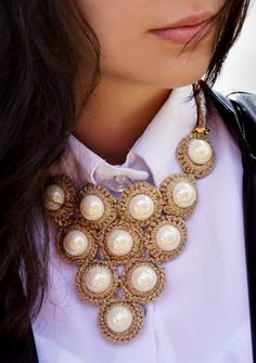 Maxi colar dourado de crochê - Receita e gráfico   Tricô + Crochê