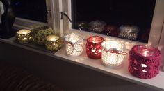 Lyslykter - med oppskrift. Crochet Lamp, Crochet Cozy, Love Crochet, Bottles And Jars, Mason Jars, Crochet Jar Covers, Crochet Decoration, Jar Lids, Decorative Accessories