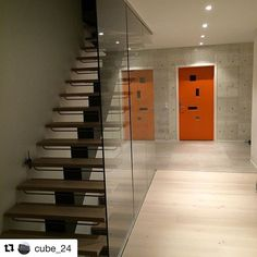 Character Pulse ytterdør fra Swedoor Stairs, Instagram Posts, Character, Home Decor, Stairway, Decoration Home, Staircases, Room Decor, Stairways
