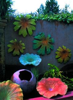Awesome Fence Art Ideas for Your Backyard Cement Art, Concrete Art, Concrete Garden, Concrete Crafts, Concrete Projects, Outdoor Crafts, Outdoor Art, Garden Crafts, Garden Projects