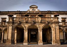 Entrada Principal del Castillo de Chapultepec en el Parque de Chapultepec  de la Cd. de México