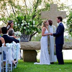 The Couple Exchanging Vows  Jenna Bush Hager and Henry Hager did it, when the moment arrives make sure you do too!