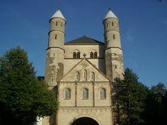 Die romanische Kirche Sankt Pantaleon in Köln http://www.ausflugsziele-nrw.net/sankt-pantaleon/ #Koeln #Sankt #Pantaleon
