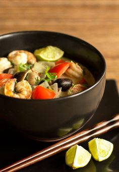A quick and easy Thai Shrimp Curry with green curry paste | @MJsKitchen