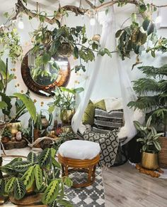 Biophilic Architecture, Forest Decor, Forest Art, Jungle Room, Room With Plants, Cute House, Green Rooms, Tropical Houses, Indoor Plants