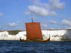 viking ship  24bc8e2487a2eaddd3ece5a9023c64df.jpg (960×720)