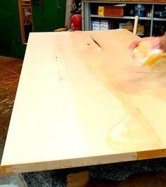 Seifen und Laugen: eine lange Tradition, die sich vom Norden weiter nach Süden verbreitet hat. Geseifte Oberflächen erhalten den Charakter des Holzes, schützen und pflegen es. Ein Genuss mit den Händen über eine geseifte Tischplatte zu streichen. Sind Sie interessiert? Wir beraten Sie gerne.  #schreinereilohrer #geseifte Oberfläche #geseifterboden #massivholzmöbel #massanfertigung #innenarchitektur #architekten #holzhochkarätig #swissmade #handwerkskunst #nachhaltigkeit #wood #woodworker Table, Furniture, Home Decor, Woodwind Instrument, Soaps, Wood Workshop, New Furniture, Restore, Architects