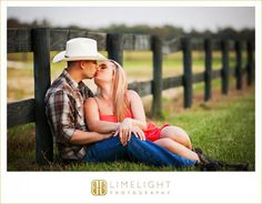 Limelight Photography, www.stepintothelimelight.com, Engagement, Barrington Hill Farm, Cowboy Hat, Cowboy Boots