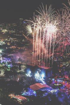 EDM VIBE - Ultra Music Festival 2016 | RUDGR.COM