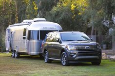 Redesigned & nimble on its feet despite the full-size SUV frame, the 2018 Ford Expedition is built for adventure. But so is the Chevy Tahoe.