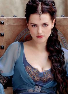 Katie McGrath U. Katie McGrath is best known for portraying Morgana on the BBC One series Merlin Kara And Lena, Die Nebel Von Avalon, Merlin Characters, Merlin Tv Series, Merlin Morgana, Yennefer Of Vengerberg, Lena Luthor, Colin Morgan, High Fantasy