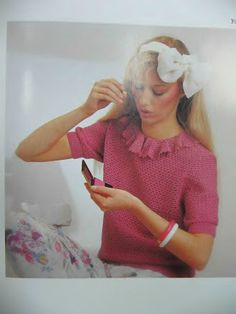 Foto: Ruffle Blouse, Album, Crochet, Fashion, Filing Cabinets, Computer File, Pictures, Crochet Hooks, Moda