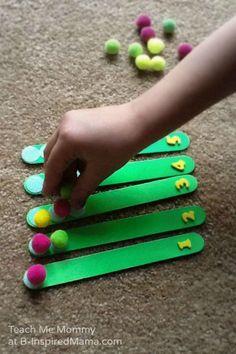 Make this simple DIY math game for your preschooler! Number Counting Game for Kids. #kids #preschool #preschoolers #kidsactivity #learning #mathisfun #fun #diy