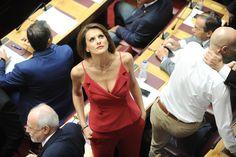 Οι πιο σικ & μη εμφανίσεις στη Βουλή: Κυρίες που ξεχώρισαν | ειδησεισ, show business | Ημερησία
