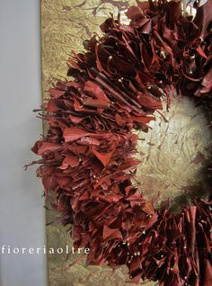 Fioreria Oltre/ Front door wreath/ Autumn leaf wreath https://it.pinterest.com/fioreriaoltre/fioreria-oltre-front-door-wreaths/