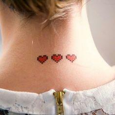 Tattoo de coração é cafoninha?  Se você escolher um desenho fofo não! Fica a dica pra quem quer tatuar o amor na pele, mas não quer escrever o nome de ninguém...  Mais ideias aqui, ó >>> http://abr.ai/tattoo-coracao