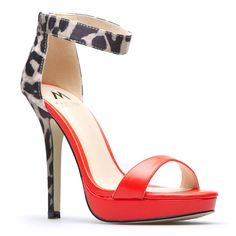 Ooh! now you're the wild one! Dreya's got  a ton of personality and a printed to perfection ankle strap.