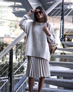 "Gefällt 120 Mal, 2 Kommentare - @crochet_and_knitting_needle auf Instagram: ""#knitting #knit #knits #knitwear #sweater #knitsweater #handmade #streetstyle #instaknit…"""