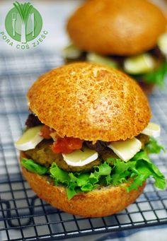 Burgers with green lentils / Burgery z zieloną soczewicą