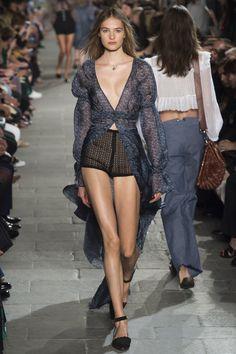 Philosophy di Lorenzo Serafini Spring 2016 Ready-to-Wear Collection Photos - Vogue