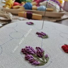Embroidery Flowers Pattern, Flower Patterns, Hand Embroidery, Diy And Crafts, Cross Stitch, Elsa, Instagram, Craft, Dots