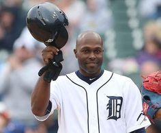In 0-2 hole, Tigers Torii Hunter laughs, then climbs out with 2,000th hit