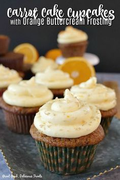 Carrot Cake Cupcakes with Orange Buttercream Frosting via @terri040 Carrot Cupcake Recipe, Carrot Cake Cupcakes, Best Carrot Cake, Cupcake Cakes, Cheesecake Cupcakes, Yummy Treats, Delicious Desserts, Dessert Recipes, Delicious Cupcakes