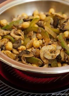 Chickpeas with green peppers and mushrooms