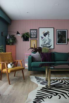 Vai redecorar a sua sala de estar? Veja quais as tendências em 2017.   Casinha colorida