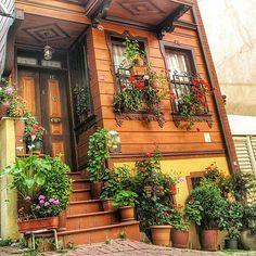 Kuzguncuk-İstanbul By zeynepozeen