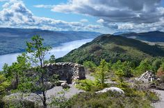 Comprehensive online guide to walking the Great Glen Way, a long distance path that runs coast-to-coast from Fort William to Inverness. Detailed description of every stage of the route and Ordnance Survey mapping.