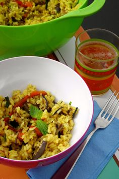 Insalata di riso curry e menta alle verdure Rice Salad, Fried Rice, Fries, Healthy Eating, Dinner, Cooking, F1, Ethnic Recipes, Diet