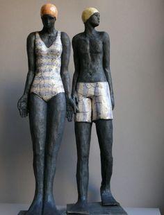 """Sylvie du Plessis """"Sylvie du Plessis est née à Lyon en 1963. Son père est peintre, elle grandit da..."""