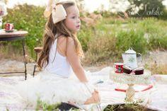 Edición #30 de Feztiva.com con fotografía de Cristina Montalvo, ropa y accesorios de Niñas Chokolate, maquillaje y peinado de El Salón Café y decoración de LLuvia de Rosas #Pajes #FlowerGirls   #Bodas #Weddings #Yucatán #México #DressCode #Fashion #KidsFashion #FashionStyle #GirlsFashion