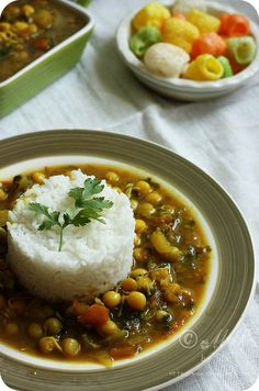 Sprouted Peas Dal ~ Sprouted green and yellow peas cooked in sweet and sour split pigeon peas lentil gravy  Recipe: http://www.monsoonspice.com/2013/06/sprouted-peas-dal-recipe-kid-friendly.html