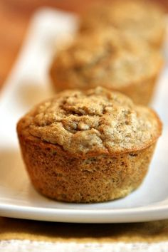 Quick and Easy Banana Oat Muffins Recipe: I'm going to substitute applesauce for the oil and half the amount of honey for sugar. Now they're clean muffins! Banana Recipes, Ww Recipes, Muffin Recipes, Baby Food Recipes, Cooking Recipes, Asian Recipes, Banana Oatmeal Muffins, Banana Oats, Baked Oatmeal