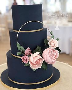 Navy blue, three-tiered wedding cake with pink floral detailing - Babyshower Pink Cake Ideen Blush Pink Wedding Cake, Navy Blue Wedding Cakes, Blush Weddings, White Weddings, Indian Weddings, Purple Wedding, Cake Pink, Blue Cakes, Beautiful Wedding Cakes