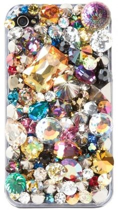 Sparkle encrusted iPhone! Oh my..... I really want this!!!!!!!!!