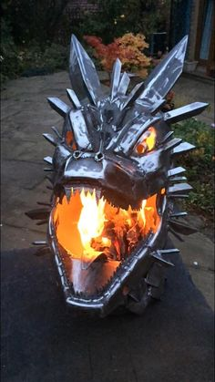 fire place is just about every mans dream gift. Fire Pit Bbq, Metal Fire Pit, Cool Fire Pits, Diy Fire Pit, Fire Pit Backyard, Dragon Fire Pit, Fire Pit Essentials, Metal Art Projects, Welding Projects